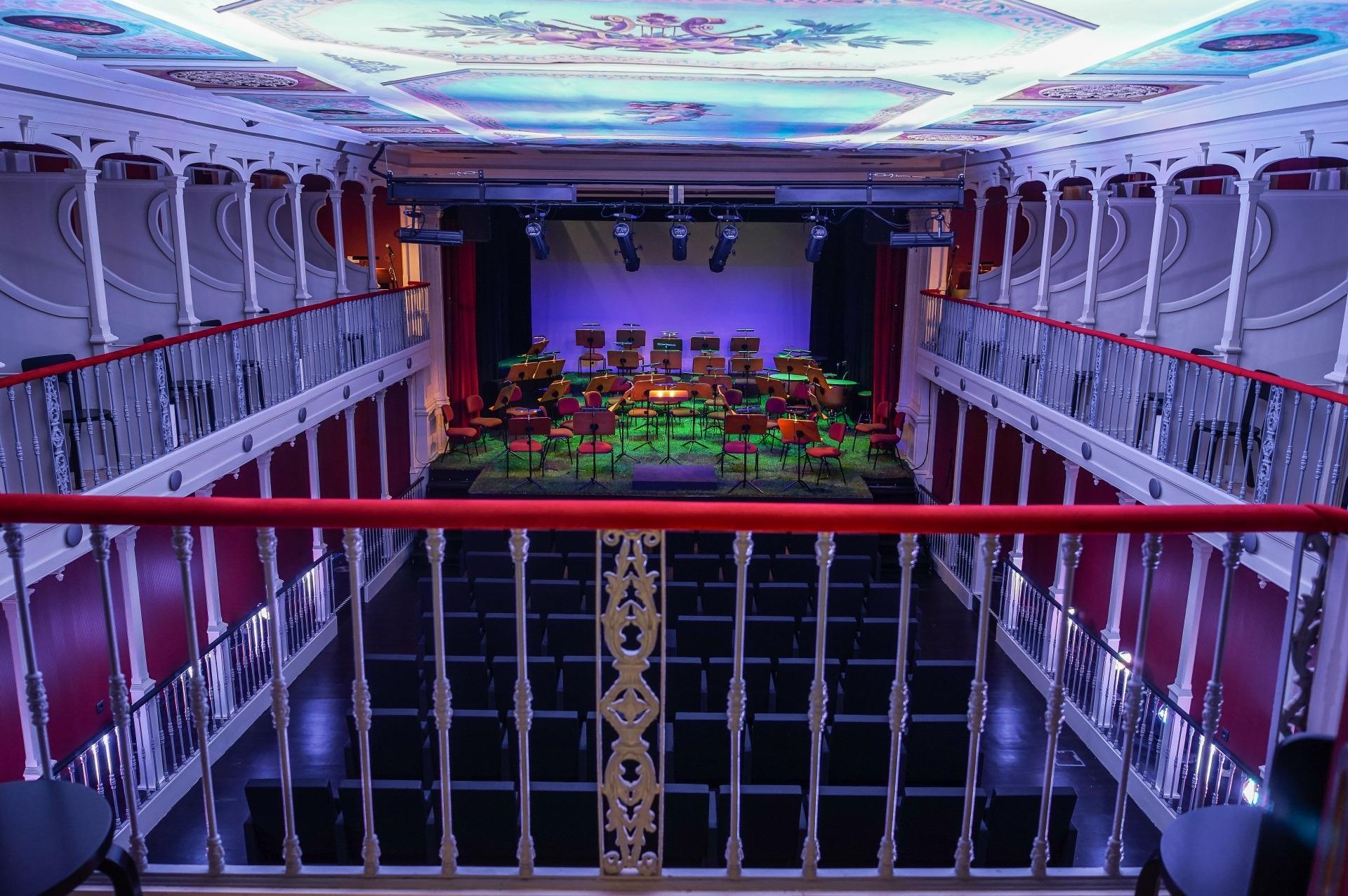 Fotografia do interior da sala tirada por José Frade